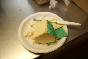 Lagret dansk Svenbo ost 45+ fra Gundestrup Mejeri